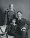 М. Добужинский с отцом и сыном